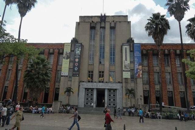 Bate Volta Medelllin Visite O Museu De Antioquia