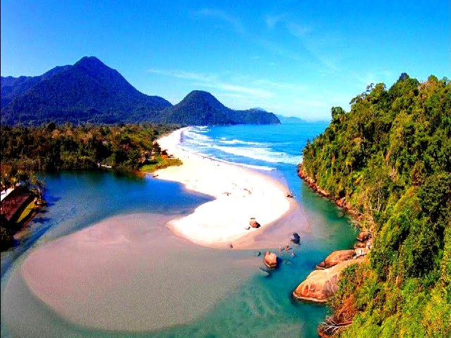 7 Beaches for Surfing in Brazil