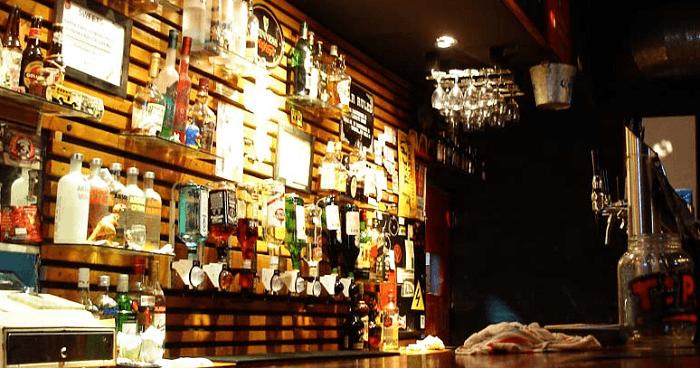 O Que Fazer Em Buenos Aires La Puerta Roja Bar