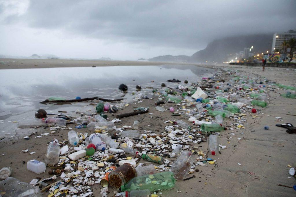 Tsunami de plástico