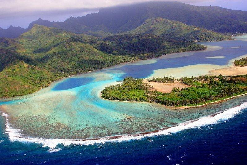Ilha De Huahine. Copyright Lucien Pesquie Bleu Lagon Productions