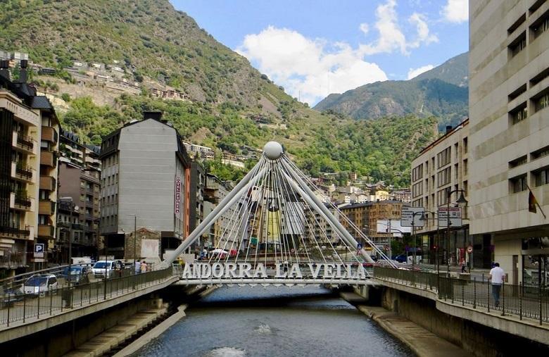 Andorra Vista Da Rua La Vella Central
