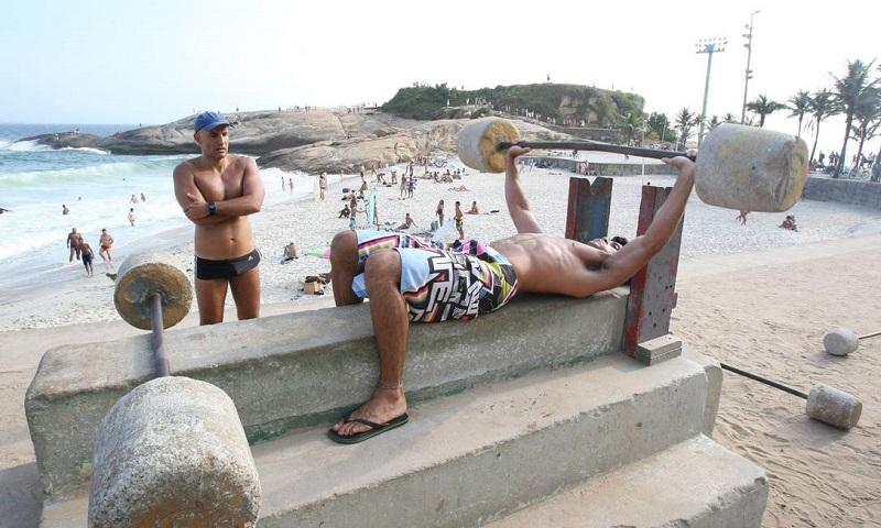 Academia Dos Flinstones Praia Do Diabo