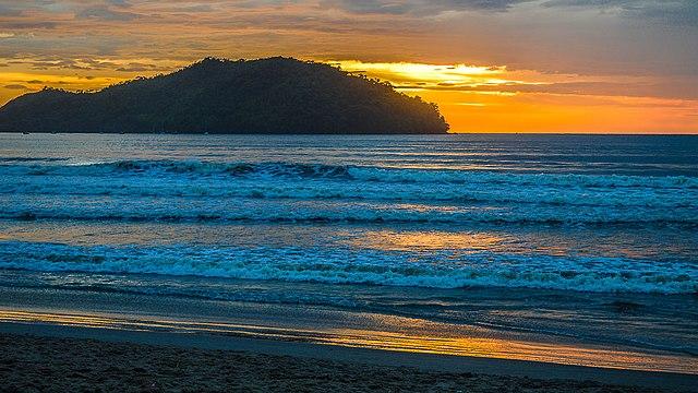 Onde Está Localizada A Praia Pereque Açu